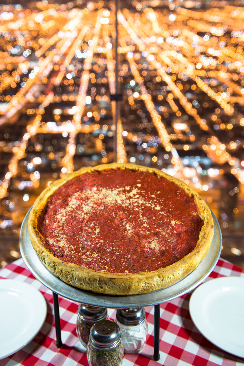 Best Pizza Place in Chicago\'s Central Loop | Giordano\'s