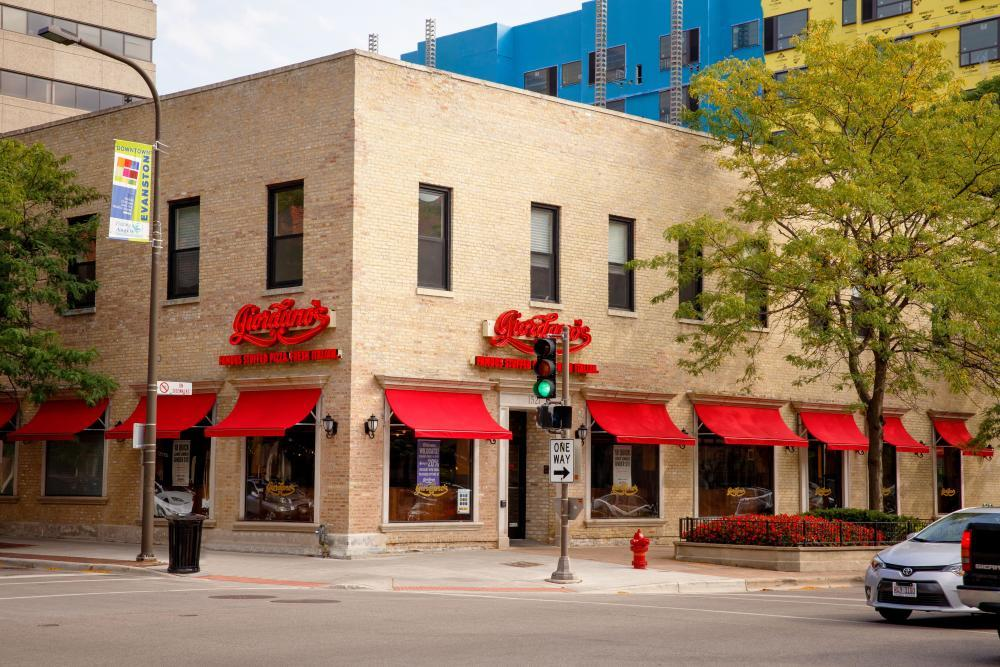 Best Pizza Place In Evanston Northwestern Il Giordano S