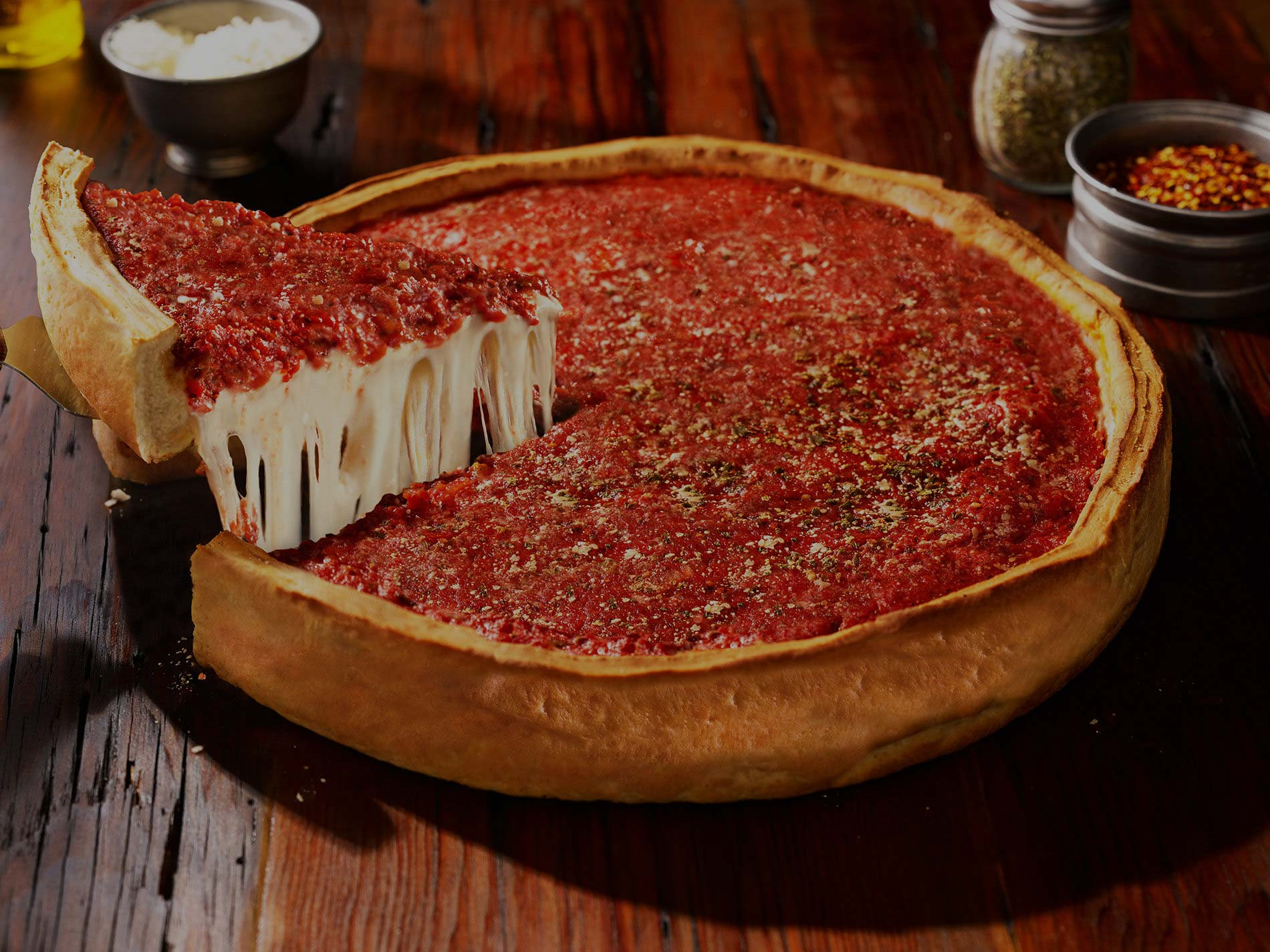 Chicago's Famous Stuffed Deep Dish Pizza | Giordano's